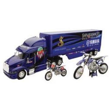 Afbeeldingen van Gift set Truck + Motor 1:12 + Motor 1:18 Yamaha James Stewart